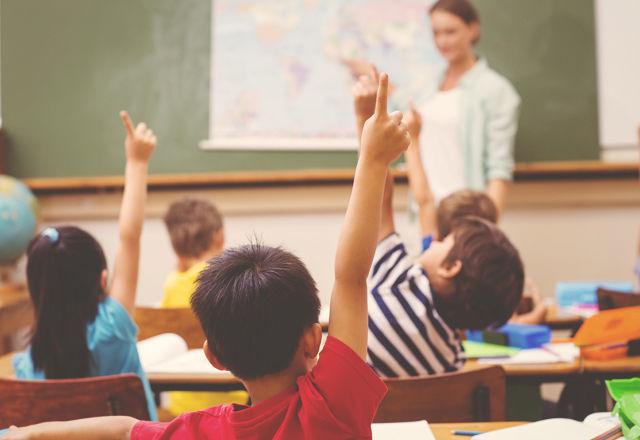 リンゴに罵声を浴びせたり、褒めちぎったりする授業。そこには深いワケが・・・