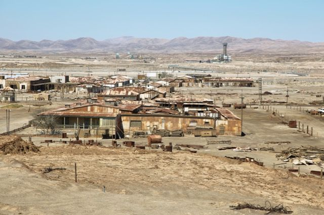 【ダークツーリズム】砂漠でゴーストタウンと化したチリの「硝石工場群」