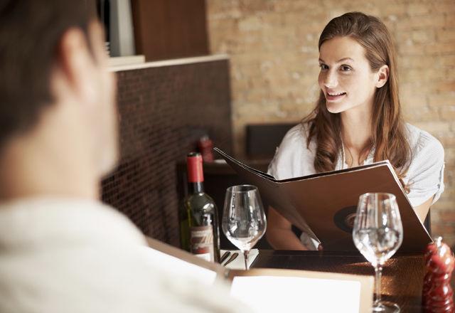 初デートの料理の注文は「◯◯」が正解らしい(米・研究結果)