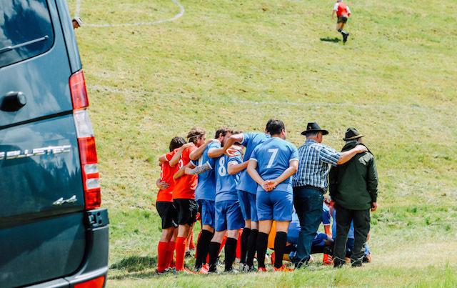 フィールドは急斜面。オーストリア発の「アルパインサッカー」がタフすぎる!