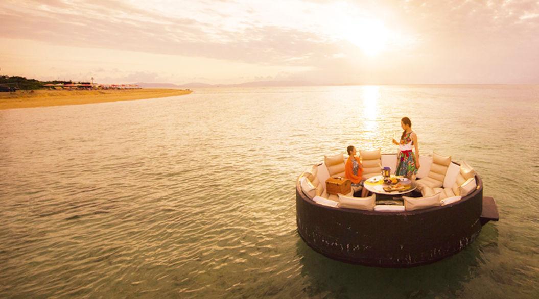 星野リゾートが手がける、南国の海の上で味わう朝食「Sunrise Breakfast」がロマンチック