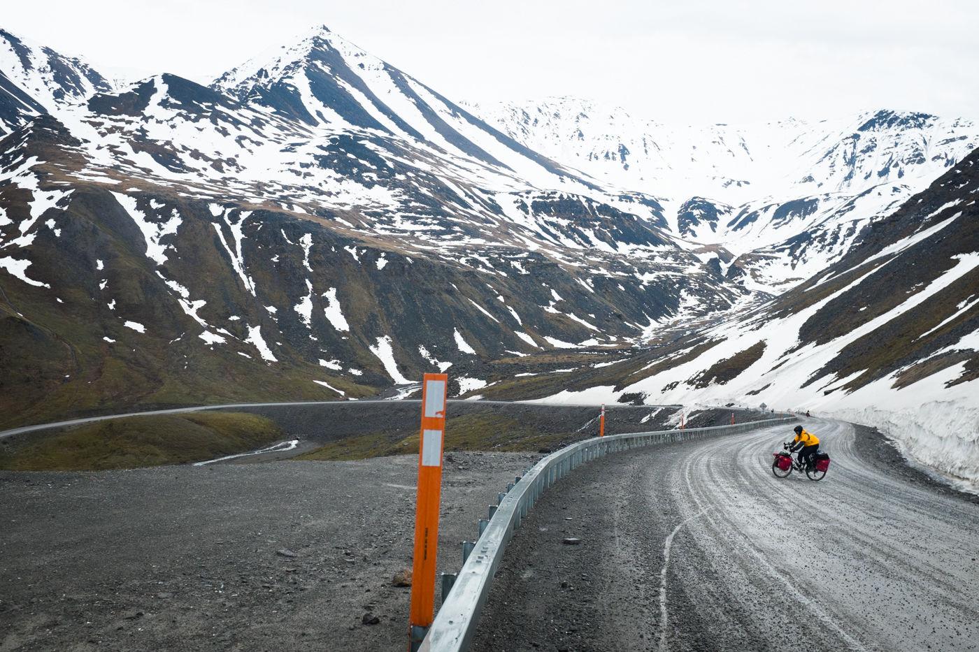 4人のクリエイターが、死と向きあいながら撮り続けた「2万キロの自転車旅」