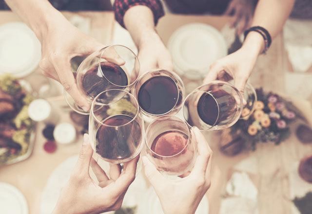 赤、白、ロゼ、最も「二日酔い」になりやすいワインは・・・?