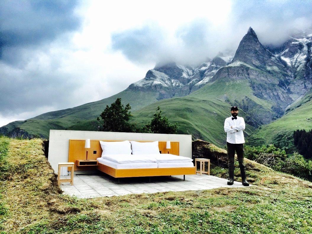 アルプスの絶景を「屋根も壁もないホテル」で満喫!