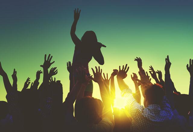 リアル体験を共有できる「音楽フェス」は、人間をしあわせにする(研究結果)