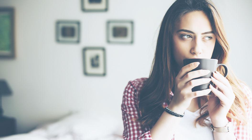 コーヒーは14時で最後にしておく?「睡眠の質」を高める10の方法