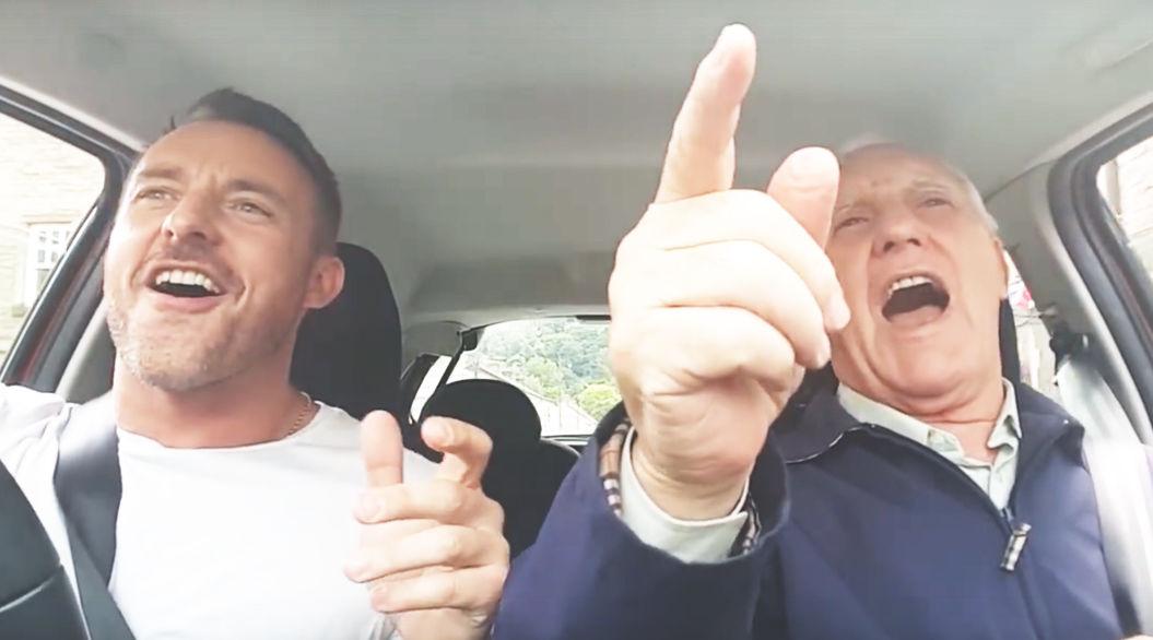 かけがえのない親子の時間を取り戻す、父と息子の「車中デュエット」