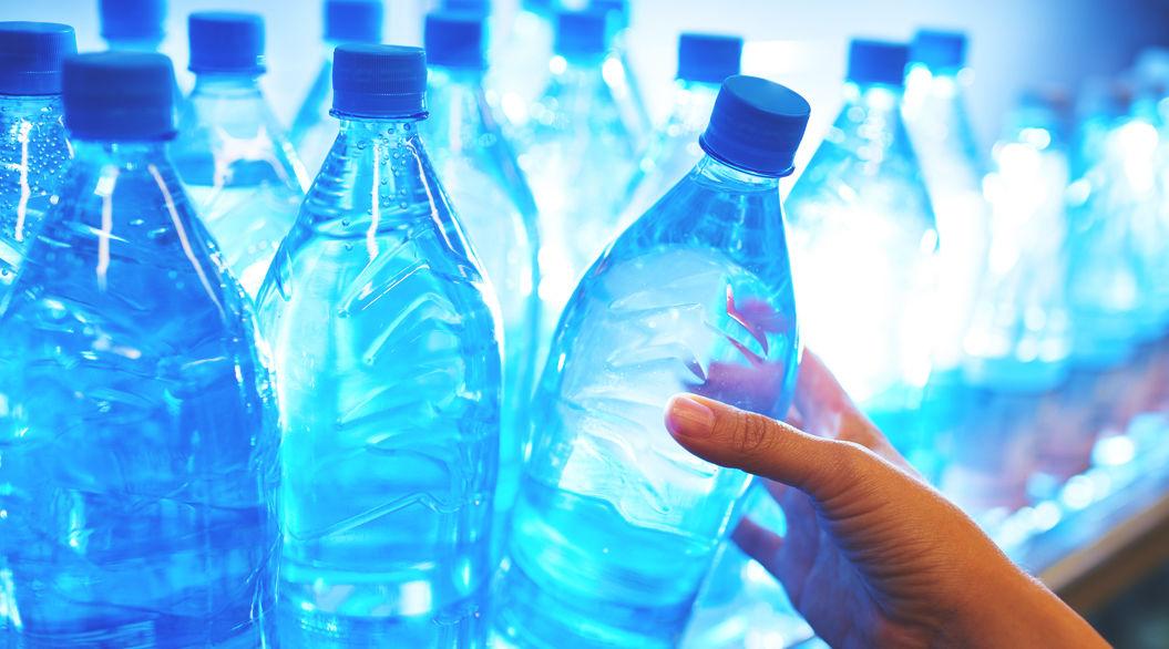 体重ごとの「1日の水分摂取量」を公開。じつは、こんなに必要なんです
