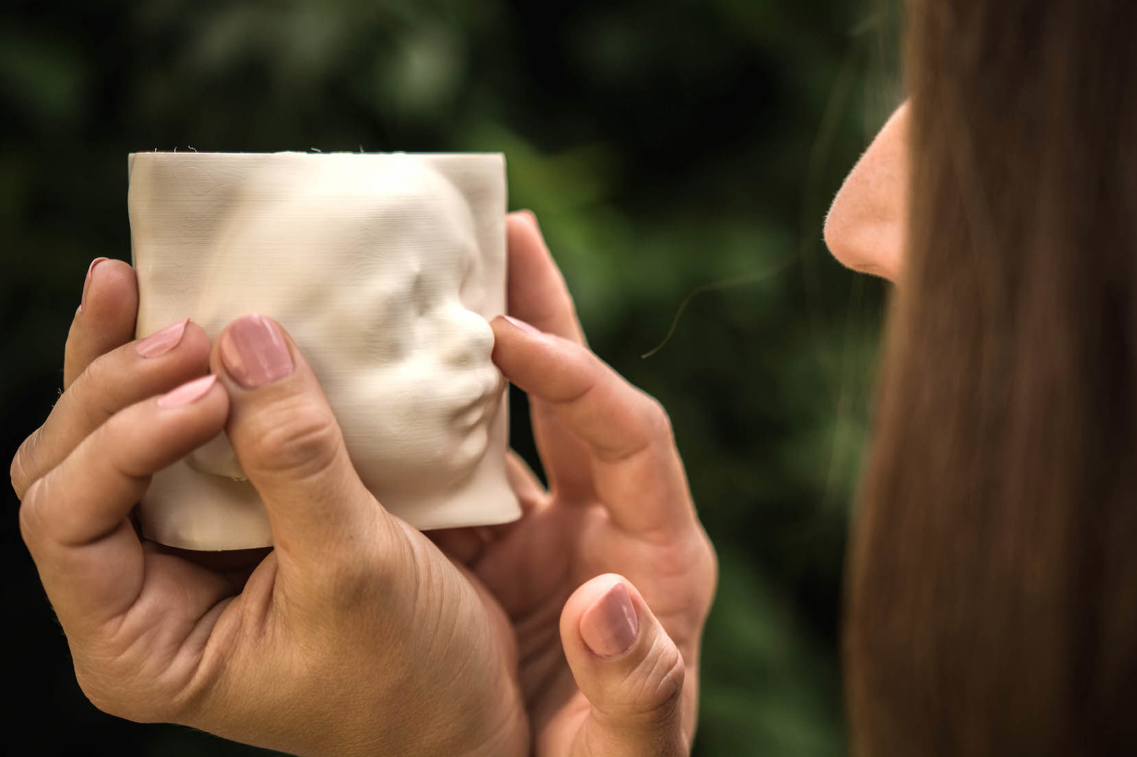 視覚障害の妊婦たちに「我が子を初めて見る」瞬間を共有する素敵なサービス