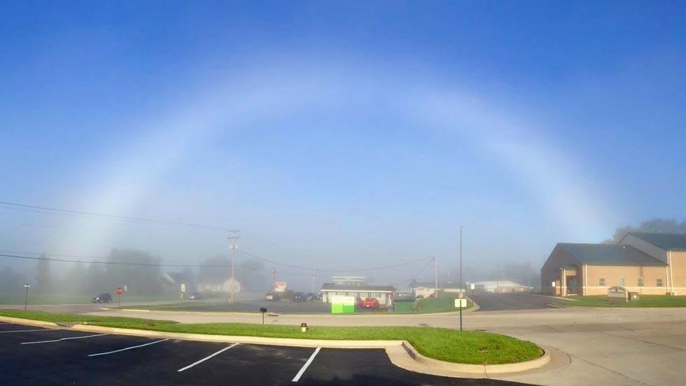 ナニコレ!?「色のない虹」がアメリカ中西部で目撃される