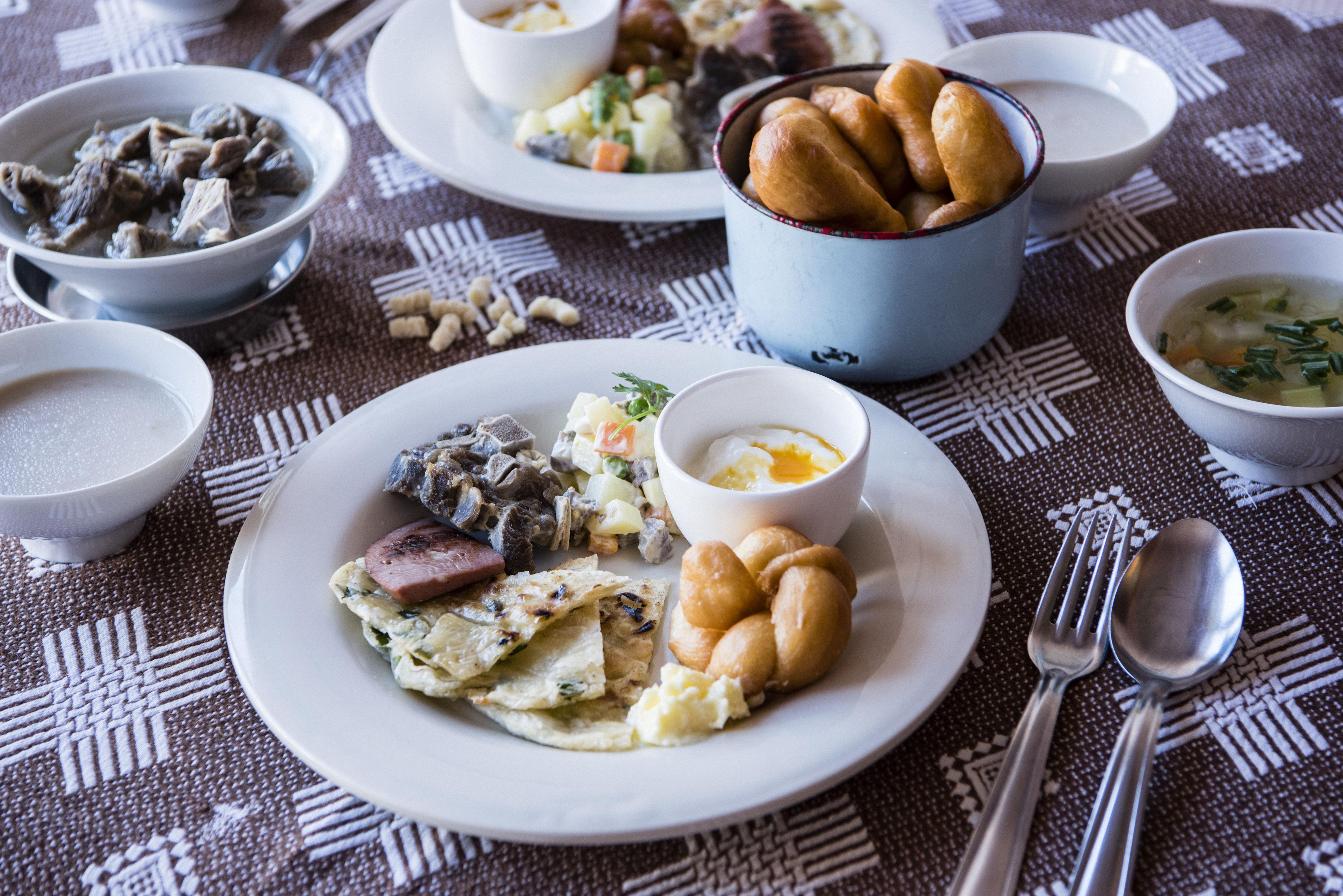 世界の朝ごはんを食べよう。9〜10月は遊牧民の食文化が味わえる「モンゴル」!