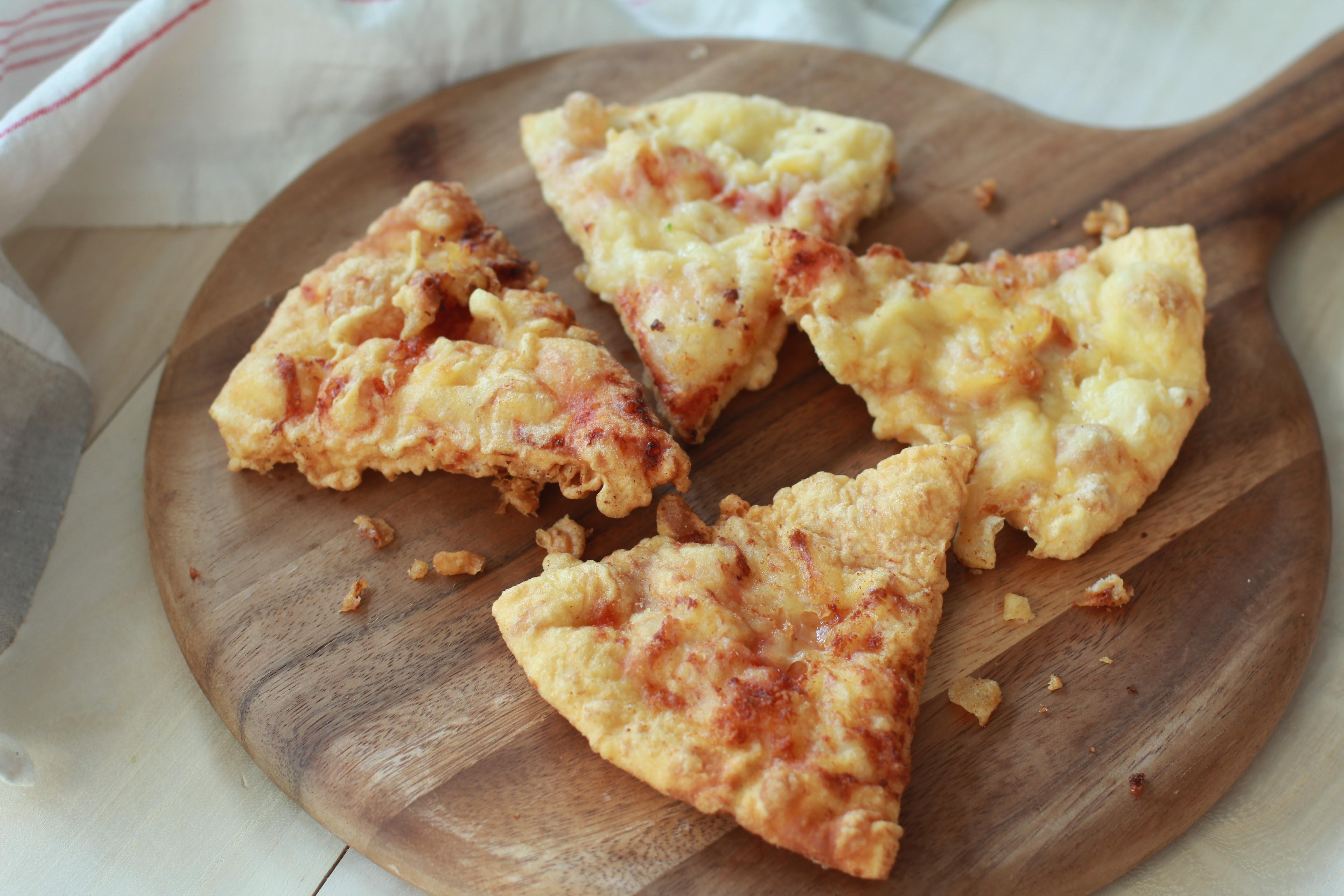 余った「宅配ピザ」を翌日ちょっとアレンジして、劇的に美味しくする方法