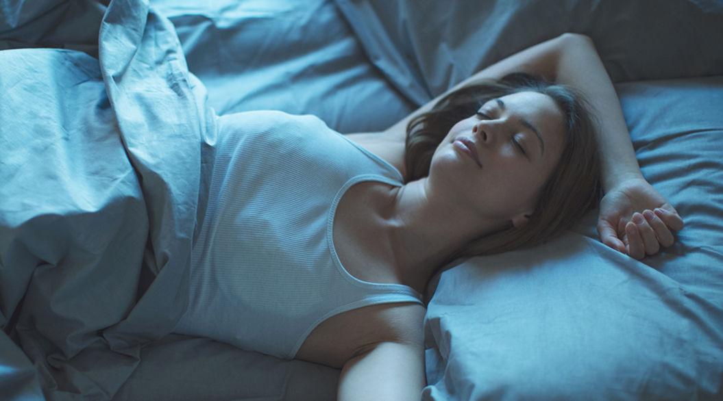 今日こそぐっすり。「睡眠不足」に悩むあなたができる10の解決策