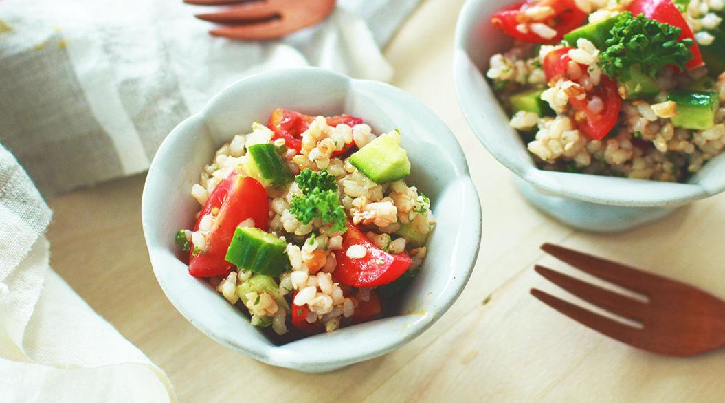 玄米でつくる話題のサラダで、毎日をもっとキレイに!