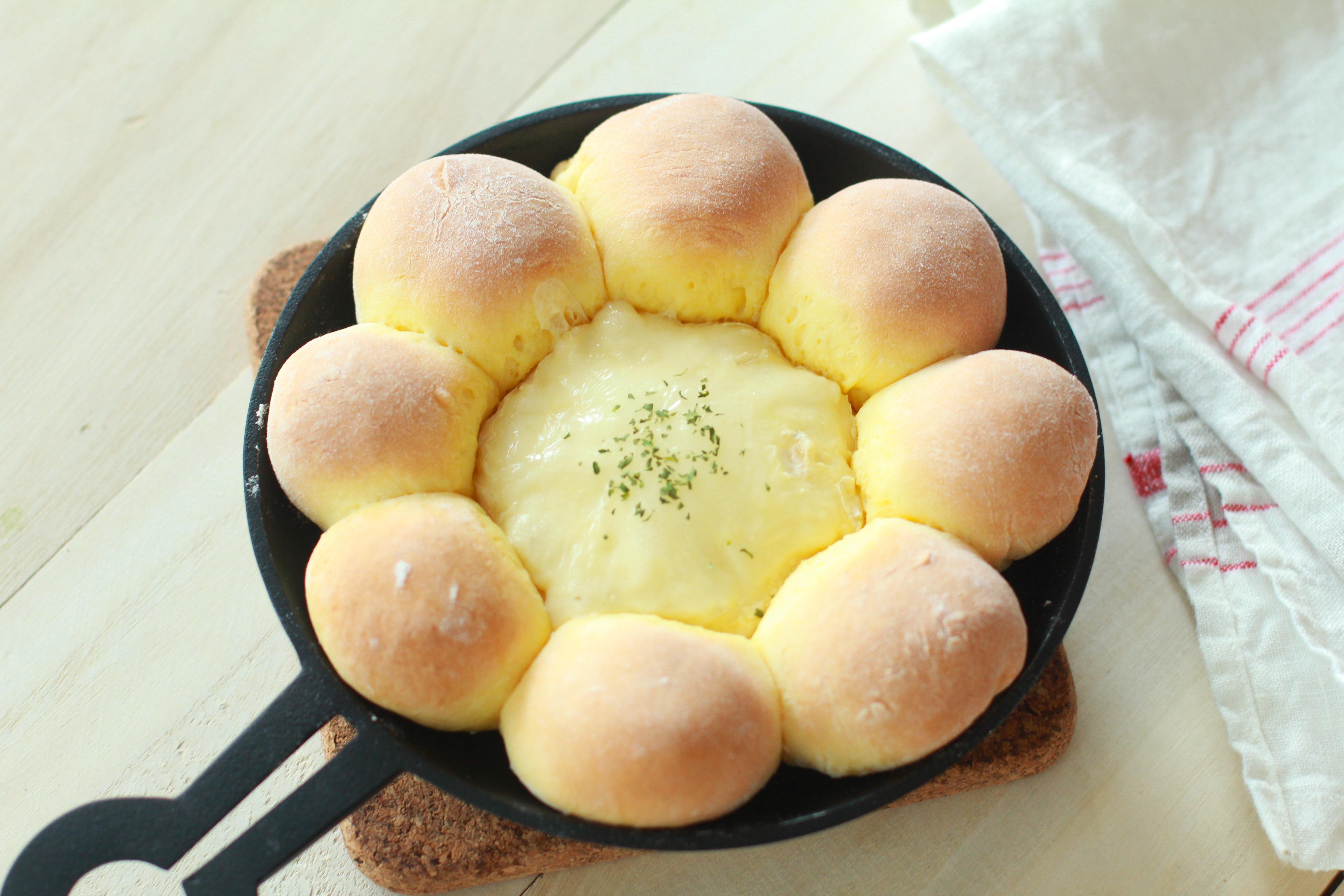 海外フードブロガーから火がついた、ディップが楽しい「ちぎりパン」の進化系