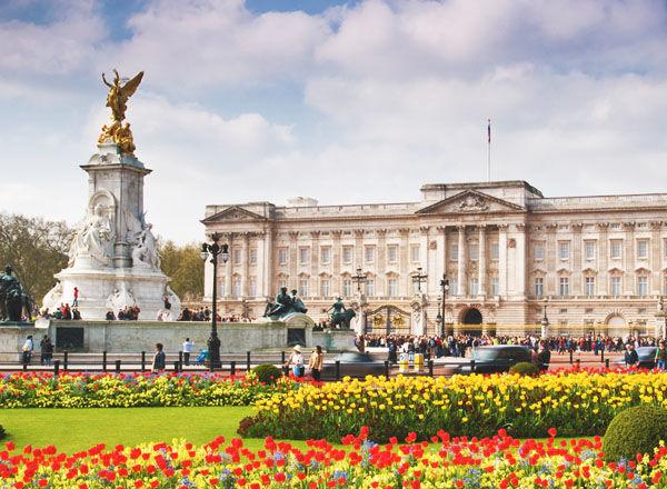 【求人】あの「バッキンガム宮殿」で働くチャンスがある!