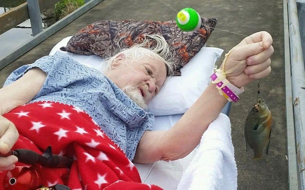 「釣りがしたい」。最後に希望を叶えてから安らかに眠ったおじいちゃん。
