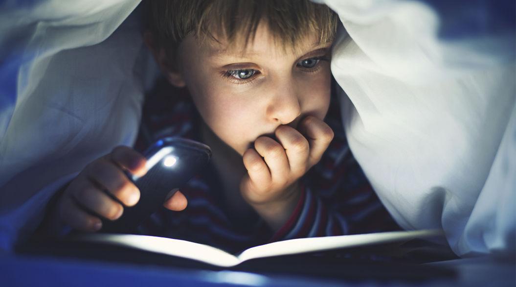 そのリスク2倍以上。子どもの「夜更かし」は肥満につながる危険アリ