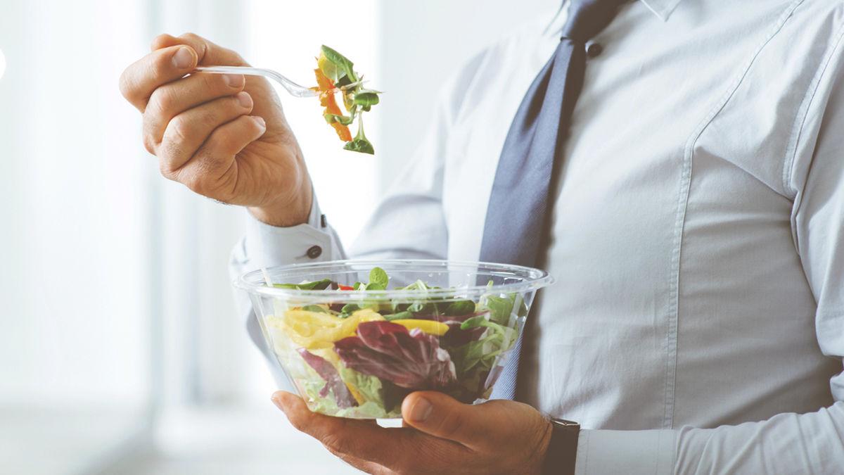 女性にモテるのは「野菜とフルーツ」をよく食べる男性。(研究結果)