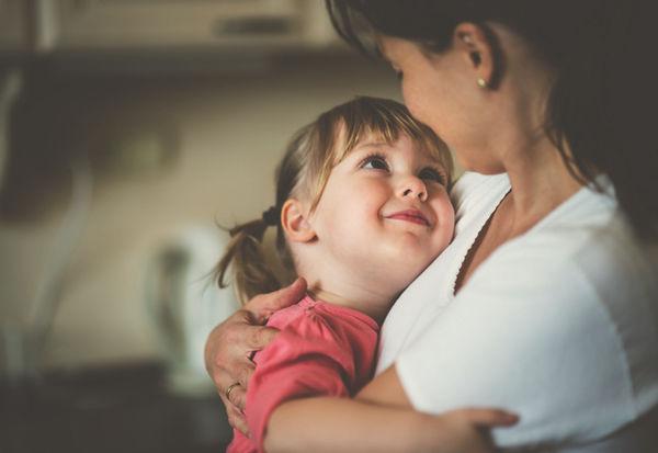 娘をもつママが知っておくべきこと。いつか嵐のような子育てすら懐かしくなる