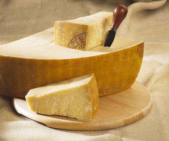 固くなった「パルメザンチーズ」の意外な使い道