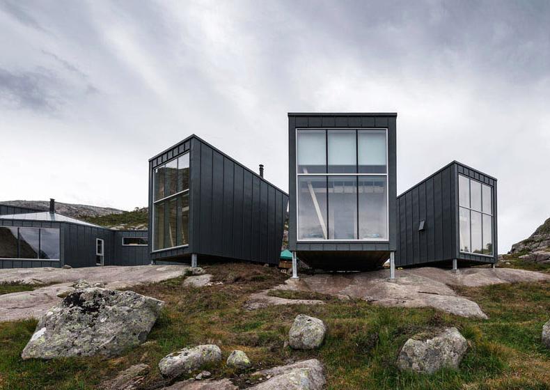 トレッキング大国ノルウェーのロッジは、それ自体が訪れる目的になる