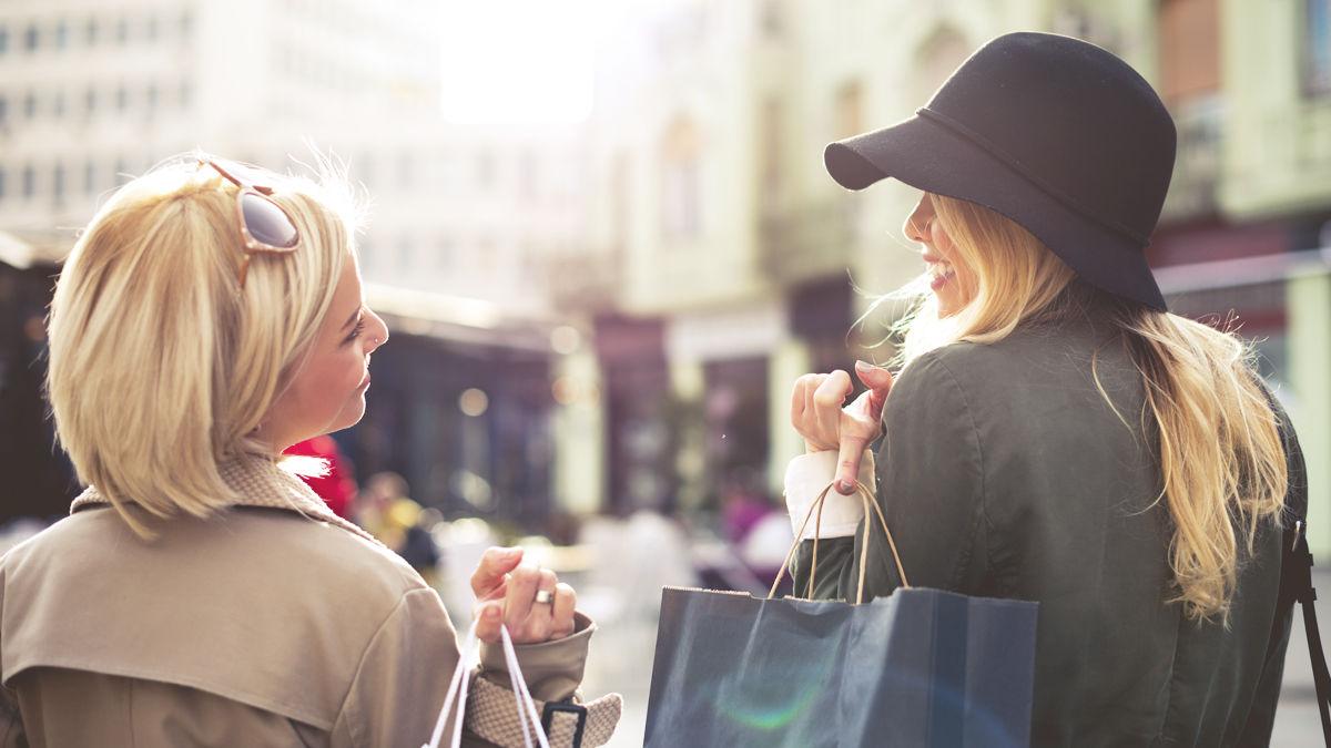 ブランド物のバッグ、SNSの自分…。どんどん価値観が変わっていく「8つのもの」