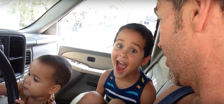 【感動】カワイイお人形を欲しがる息子に、父親がした「ある約束」