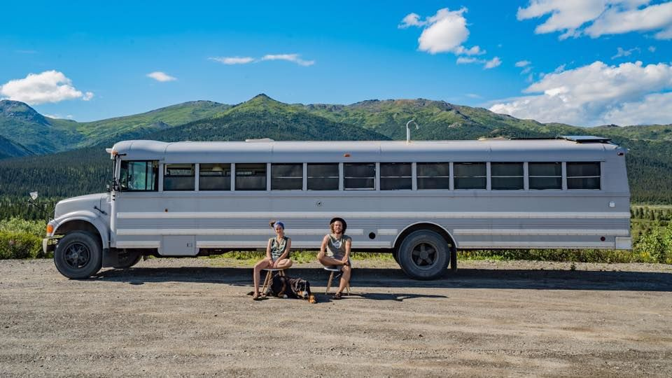 アメリカ大陸横断には、巨大な「スクールバス」が最高!
