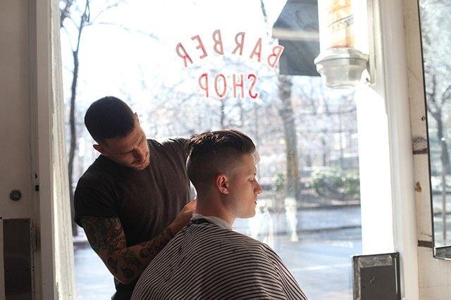 NY発の理髪店「BLIND BARBER」が東京上陸。狂騒の20年に由来した大人の社交場がコンセプト。