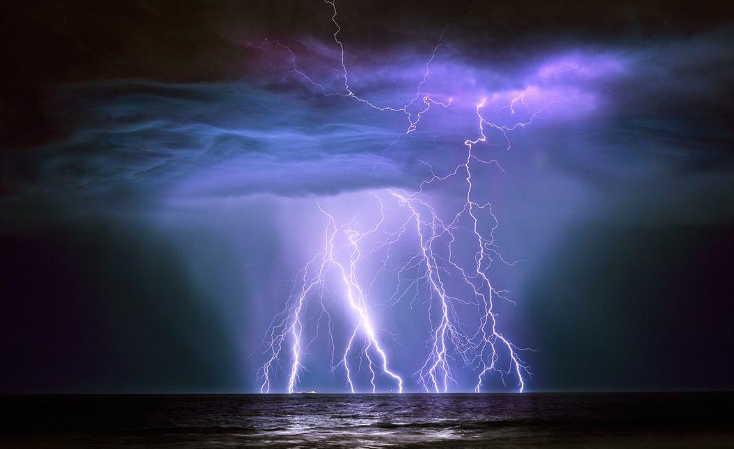 英・王立機関が選ぶ「天候の神秘を捉えた写真」19枚。