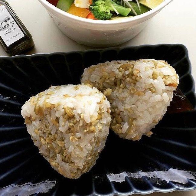 白米と一緒に炊くだけ!あっという間に出来上がる、絶品・フリーカおむすび。