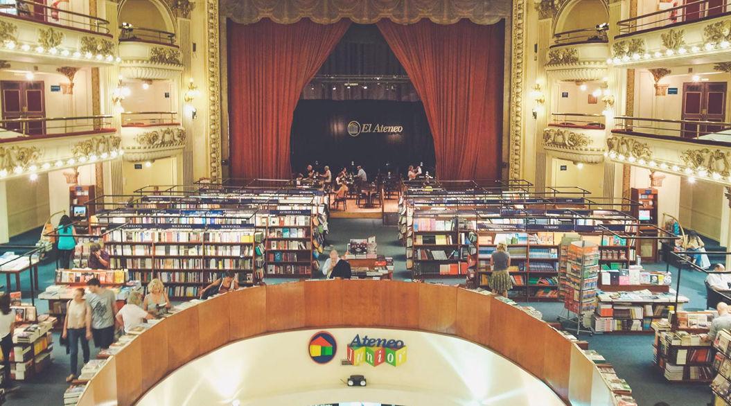 世界で2番目に美しい「本屋」は、壮大なリノベーション物件だった
