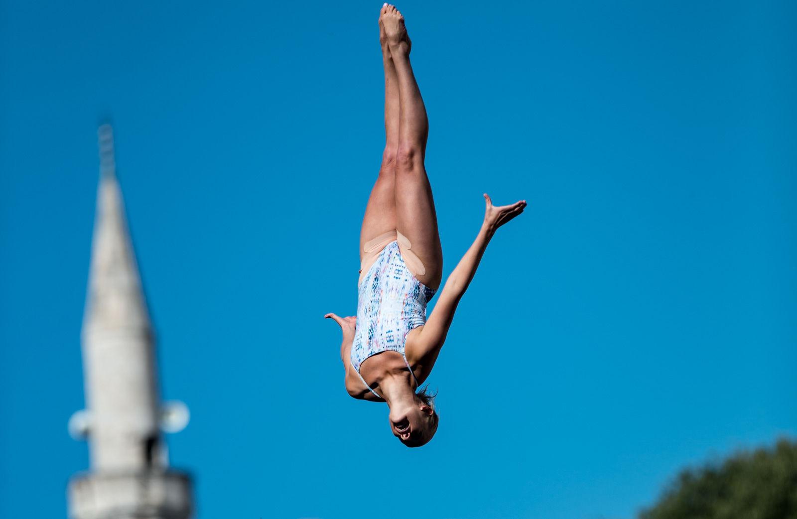 「南極の崖からダイブしたい」。飛び込みに人生をかけたエクストリーマー達の舞い