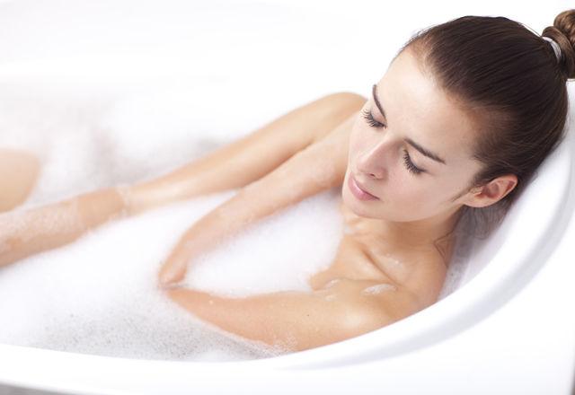 秋の「カサカサ肌」は、食事と入浴で解消!