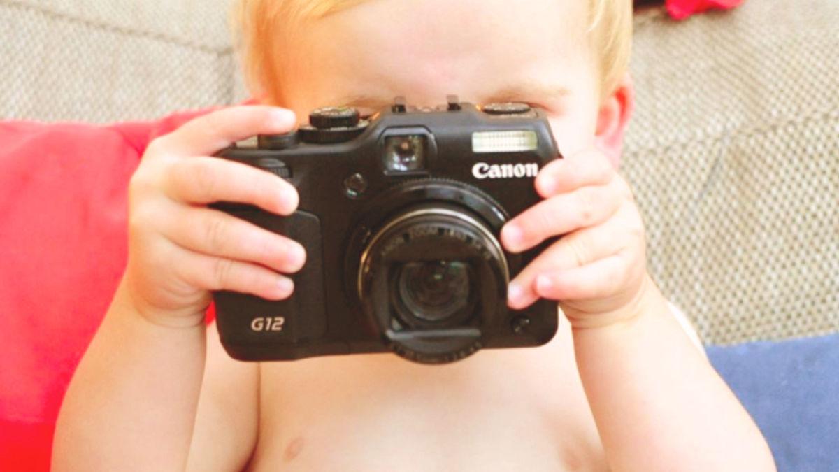 1歳半の息子にカメラを渡してみたら、とても素敵な世界が写っていた
