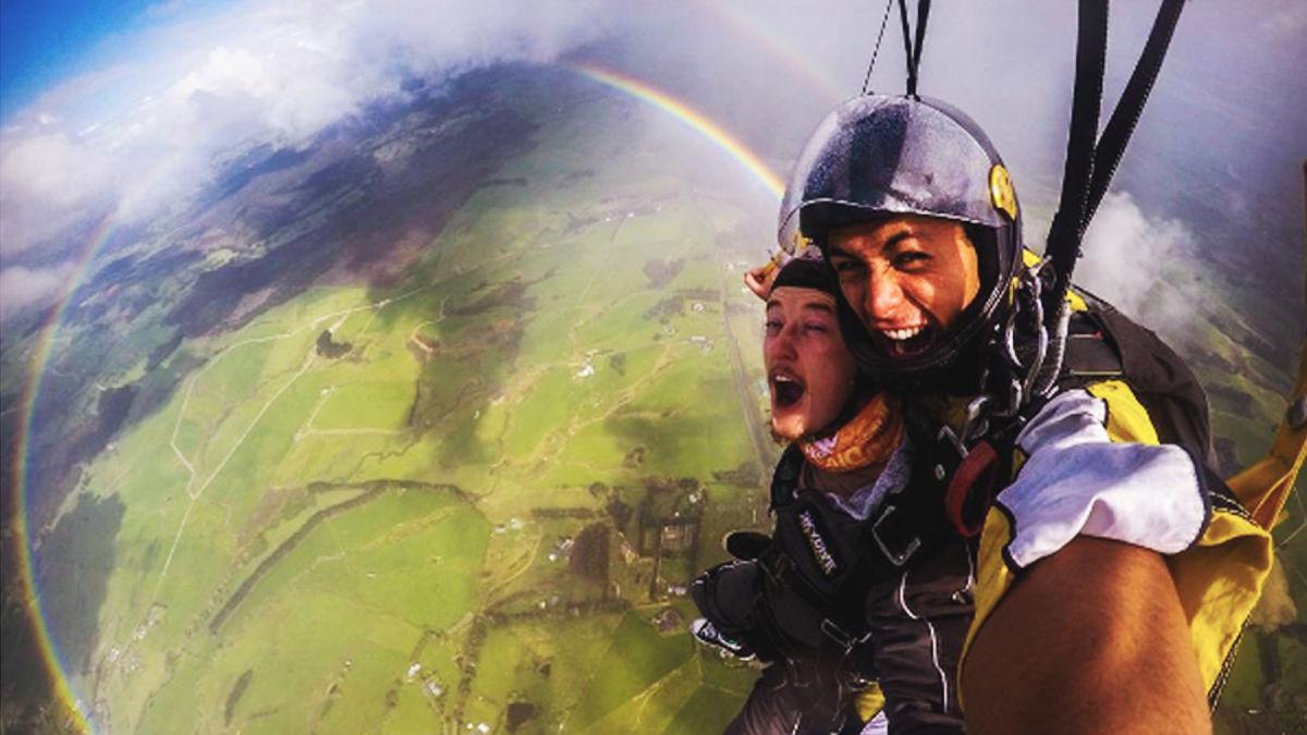 【奇跡の瞬間】360度の虹へダイブ!