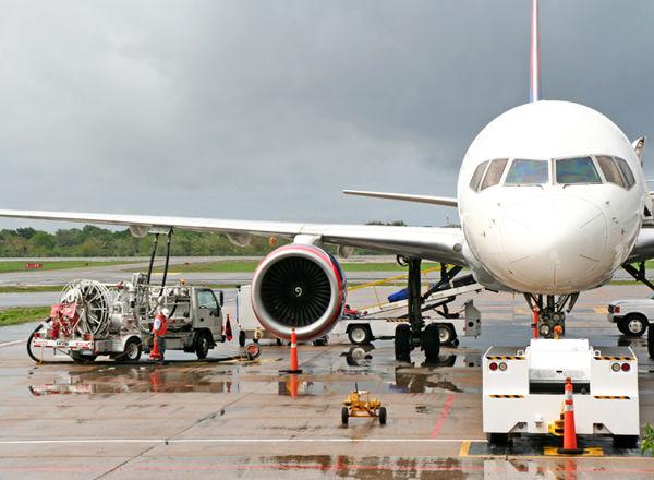 「バイオ燃料」による、環境にやさしい空の旅がはじまる