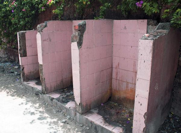 教えてGoogle「一番近くの清潔なトイレ」はどこ?(インド)