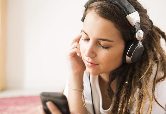人は「悲しい音楽」を聴くとハッピーになる?ベルリン自由大学研究結果