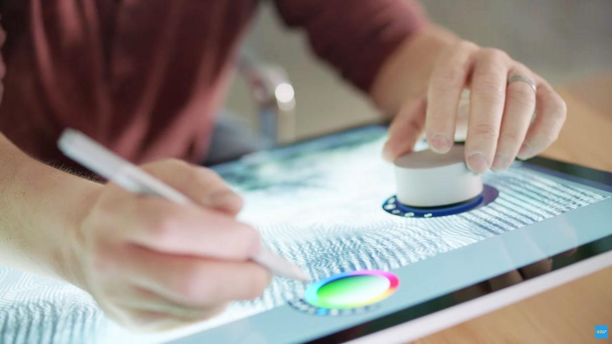 描いた絵の中に奥行きを生む「3Dキャンバスアプリ」が楽しそう