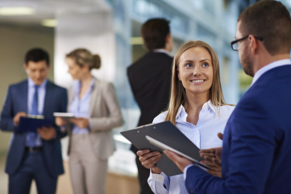職場の女性とのコミュニケーション