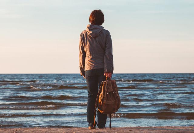 【なるほど】なぜ、35歳以下の人々の幸福度は低いのか?