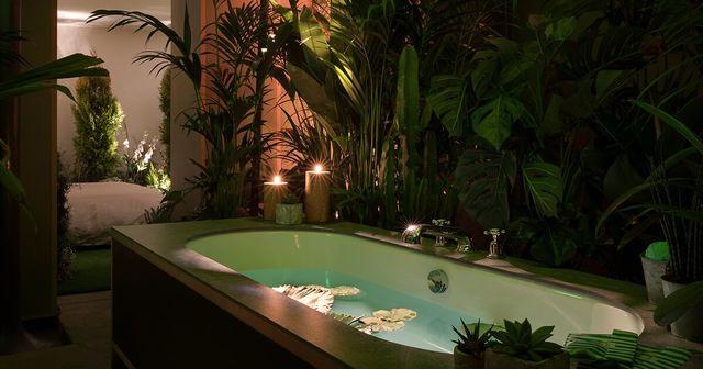 部屋いっぱいに「緑」が溢れる、PANTONE×Airbnbのコラボ宿