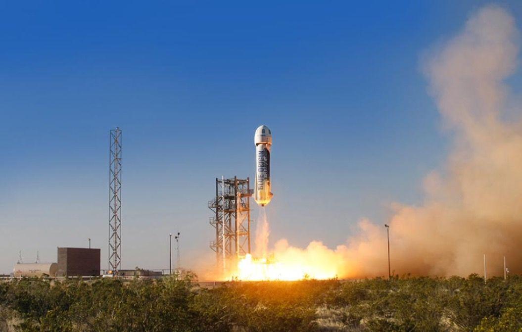 宇宙旅行できる日も近い?世界初、再利用できるロケットが「垂直着陸」に成功