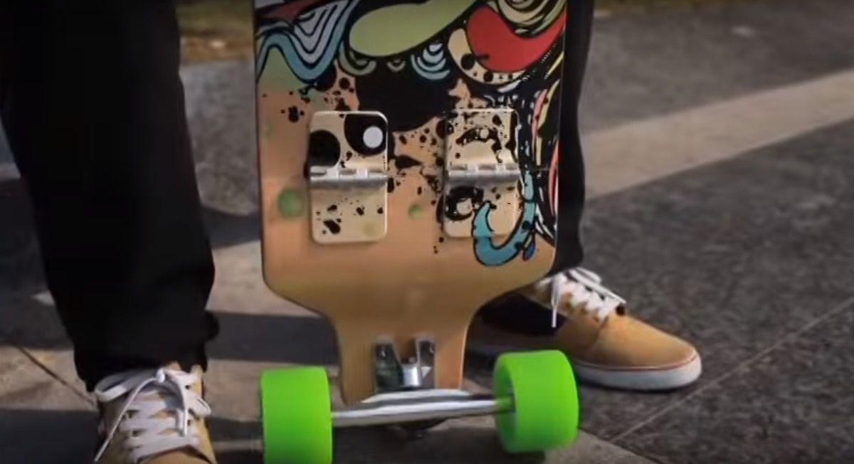 折りたためるスケボー「SNAP Skateboard」なら、バッグに入る!