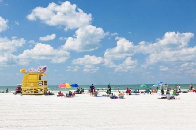 今年も、ビーチへ逃げろ!トリップアドバイザーによる「世界のベストビーチ10」