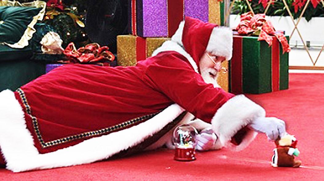 自閉症の子どものために、サンタがとった素敵な行動。