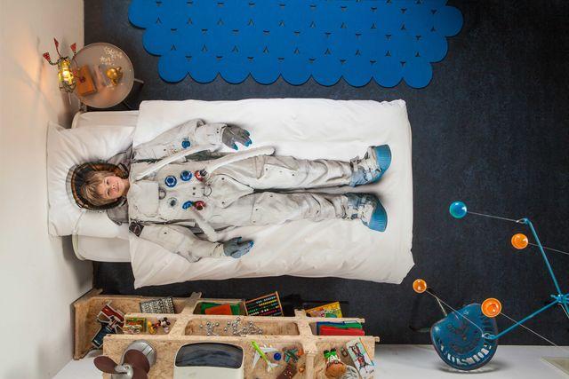 まるで着せ替え人形。子どもの願いを叶える「ベッドカバー」で、イイ夢見てね!