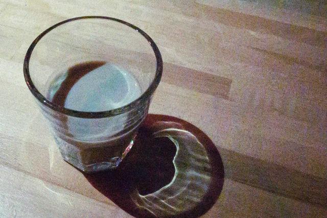 ショットグラスで「泥」を一気飲み。これがLA流なのか?